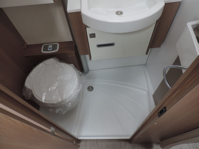 Harmony 690 G toiletruimte 3