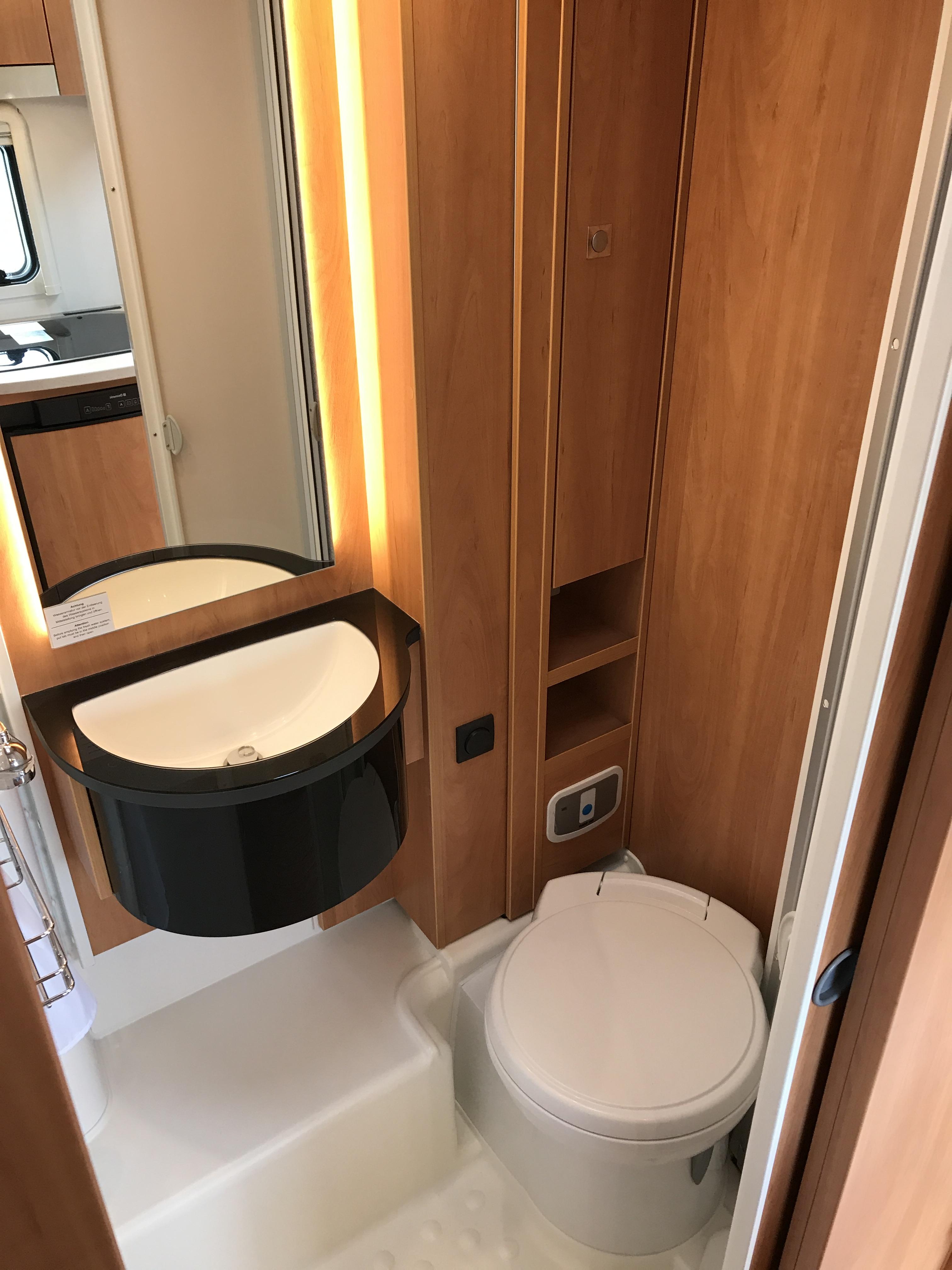 Globebus T4 Automaat toiletruimte