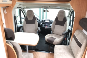 Globebus T4 Automaat Zithoek