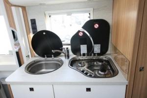 Dethleffs 5901 Keuken